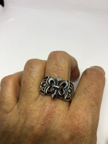 Start Your Holiday Shopping!!! Vintage 1980's Gothic Silver Stainless steel Fleur De Lis Men's Ring