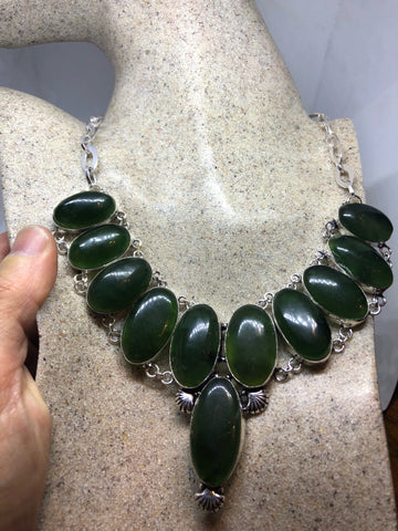 Vintage silver Genuine Green Nephrite Jade Gemstone necklace.