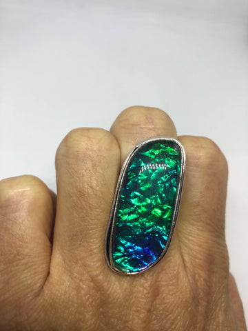 Vintage Green Art Glass ring about an inch long knuckle ring