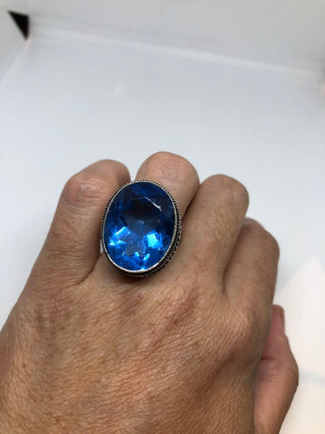 Vintage blue vintage Art Glass ring about 1 inch long knuckle ring