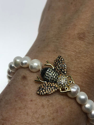 Vintage Bee Genuine Pearl stretch Bracelet