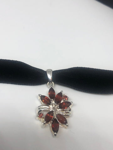 Vintage 925 Sterling Silver Genuine Garnet Antique Choker Pendant Necklace