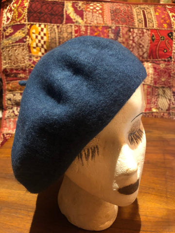 Vintage blue wool felt 10 in beret hat