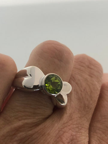 Vintage Handmade Genuine Green Peridot 925 Sterling Silver Ring SIze 7