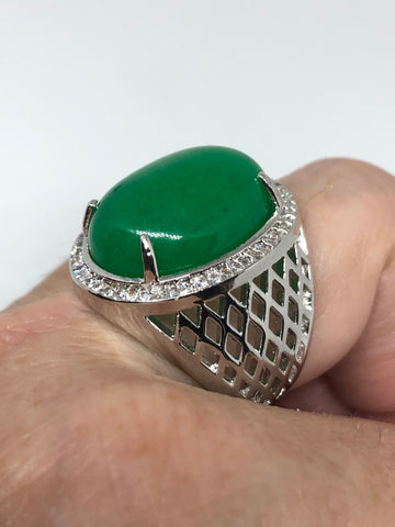 Vintage Lucky Green Nephrite Jade ring