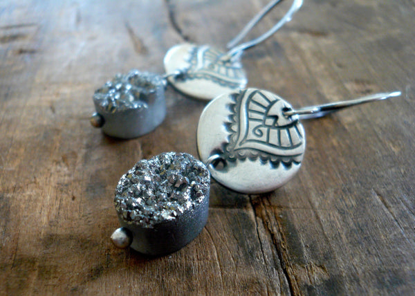 Noceur Oval Earrings - Handmade. Oxidized fine and sterling silver. Druzy