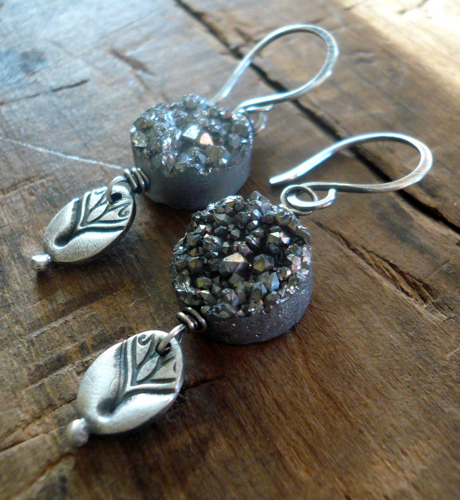 Noceur Round Earrings - Handmade. Oxidized fine and sterling silver. Druzy