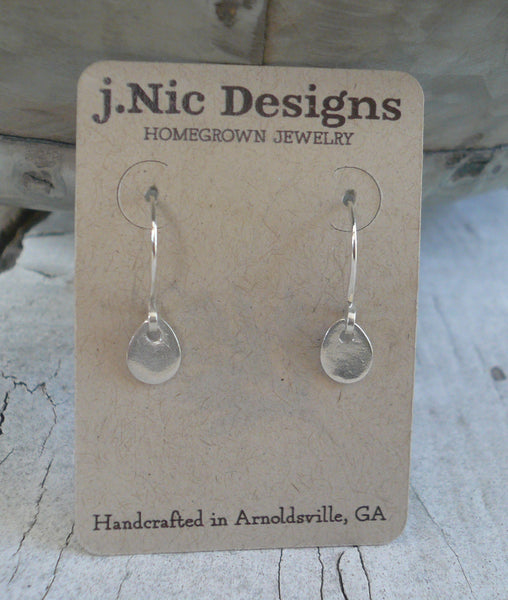 Essential Earrings Small Tear - Handmade. Fine and sterling silver dangle earrings