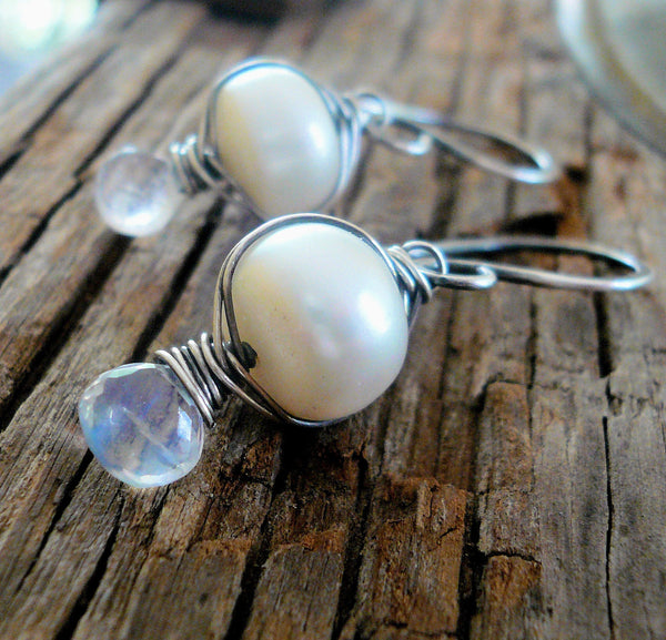 Scintilla - Oxidized sterling silver dangle Earrings. Wire Wrapped freshwater pearls and Moonstone. Handmade