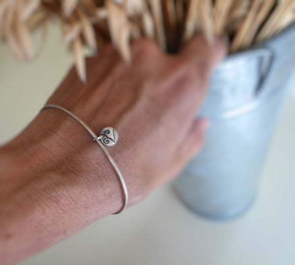 Drift Bangle Bracelet - Handmade. Hammered. Your choice of Finishes. One Bangle