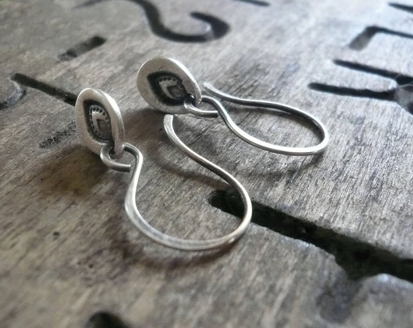 Leaflet Earrings - Handmade. Oxidized fine and sterling silver