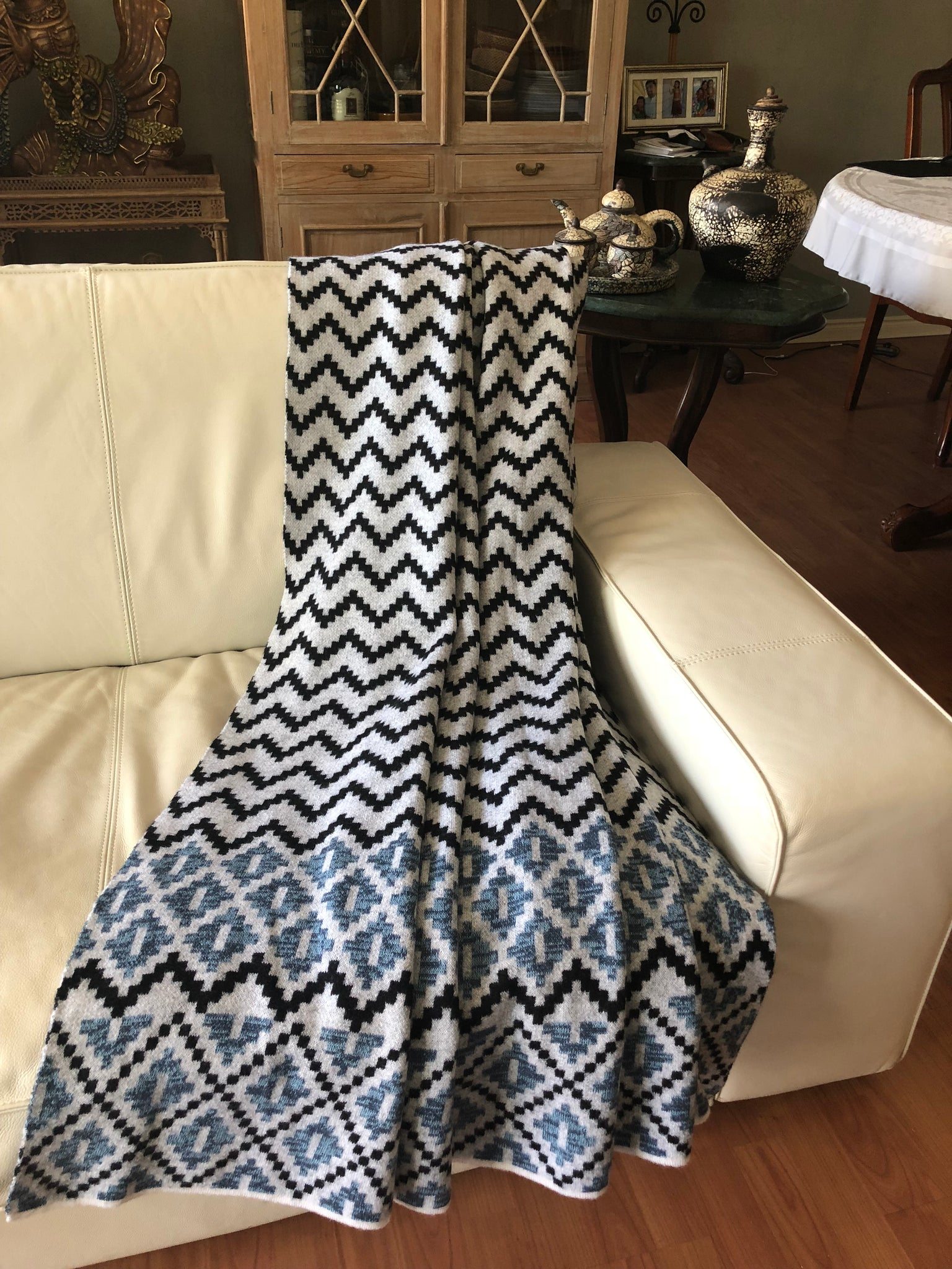 Sky Blue/Navy Motif Throw in Merino Wool