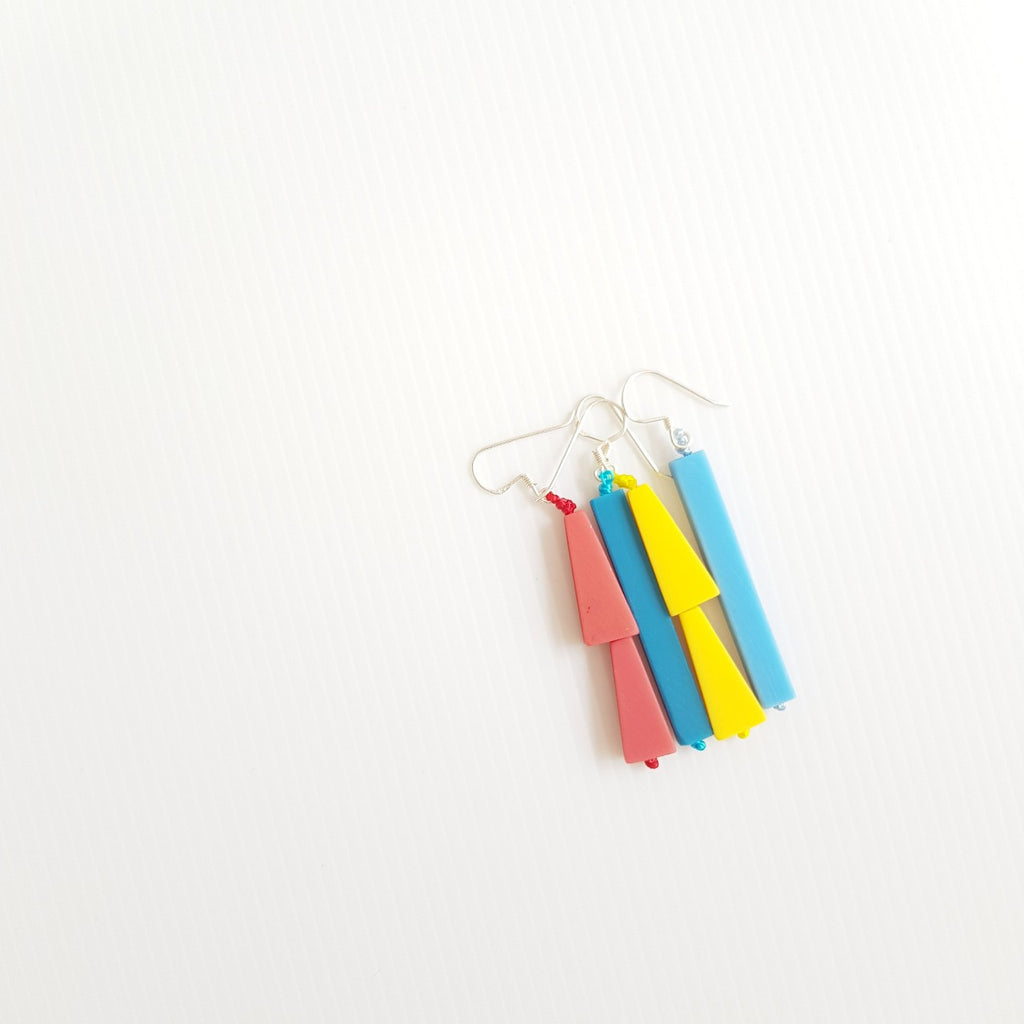 Trapestick Fuschia Earrings
