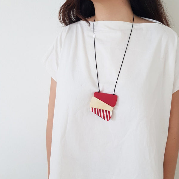 Makona Wooden Red Necklace