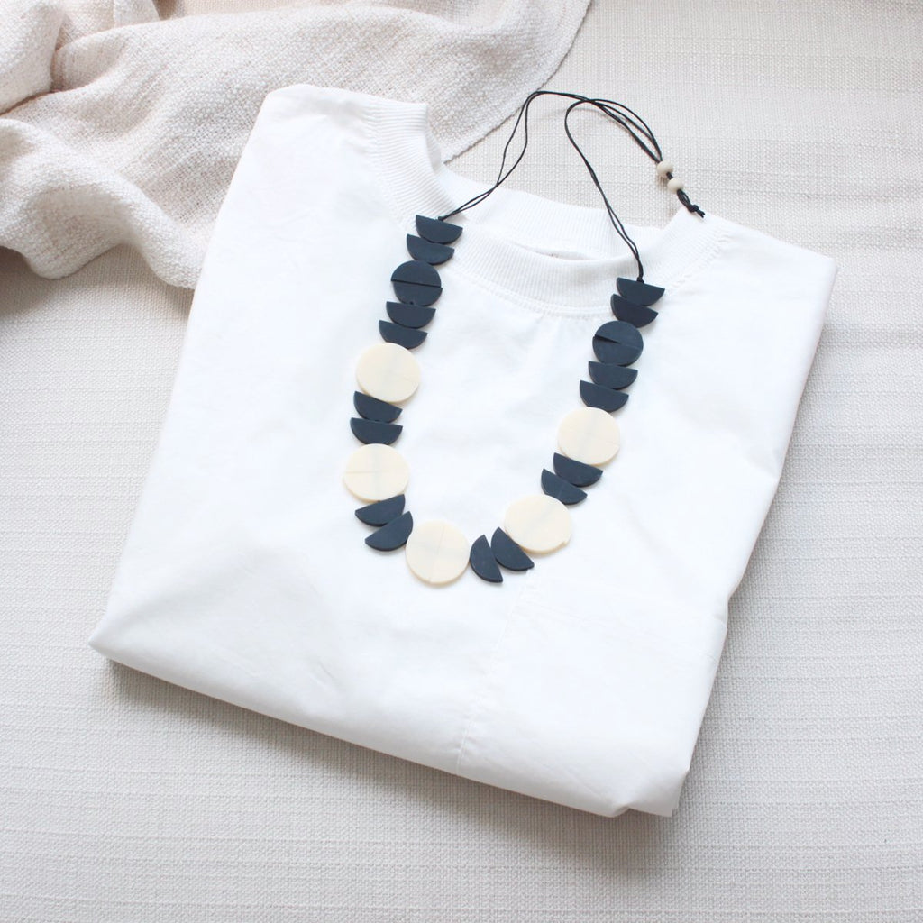 Halfmoon Beige-Black Necklace