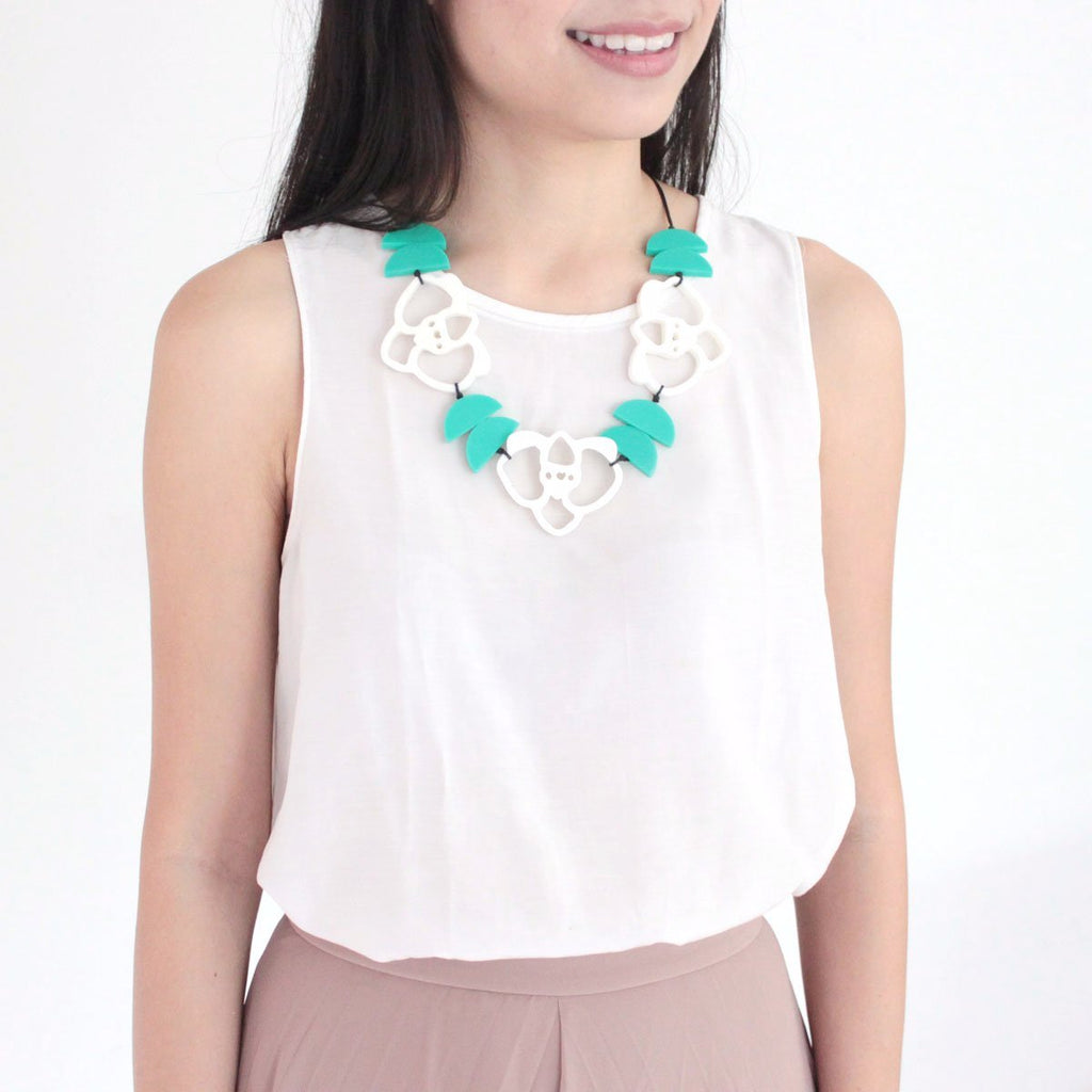 Orchid White Necklace