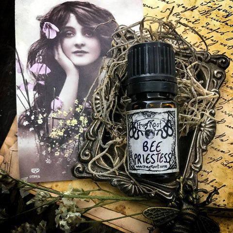 BEE PRIESTESS-(Honey, Cardamom, Vanilla, Sugar, Musk, Amber)