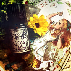 ALICE'S TEA PARTY-(Rooibos, White Tea, Lotus, Vanilla, Tobacco, Bergamot, Lemon, Pear, Orange, Black Tea Leaves, Jasmine, Cane Sugar, Cedar, Amber)
