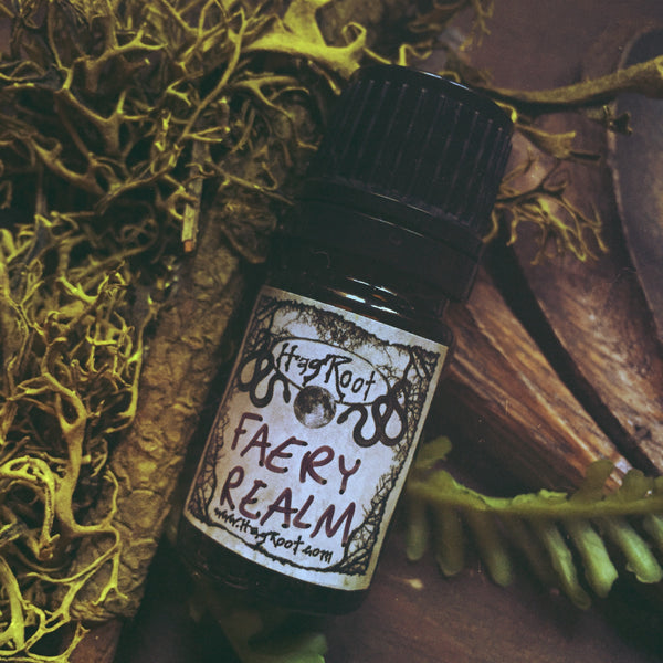 FAERY REALM-(Melon, Peach, Apple, Pineapple, Cinnamon, Cocoa, Delphinium, Ivy, Star Anise, peony, lily, Blackberry, Fir, Sage, Tangerine, Rosemary)