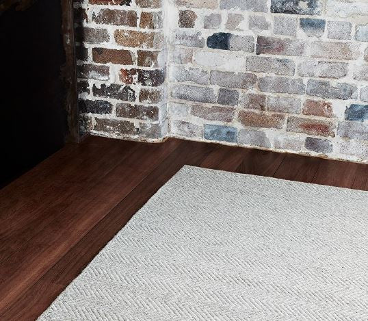 Armadillo&Co. Herringbone Wool Weave Granite and Ecru Rug