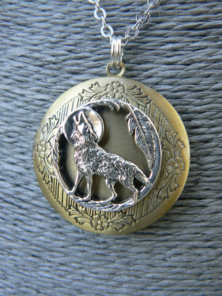 wolf locket, wolf necklace, tribal locket, tribal necklace, photo locket,boho, photo pendant,locket jewelry