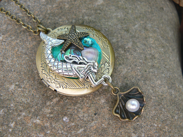 mermaid photo locket, mermaid seashell necklace, Photo memories locket jewelry