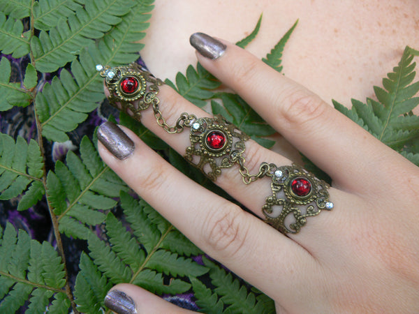 garnet triple ring,Goth claw ring,Steampunk ring,armor ring