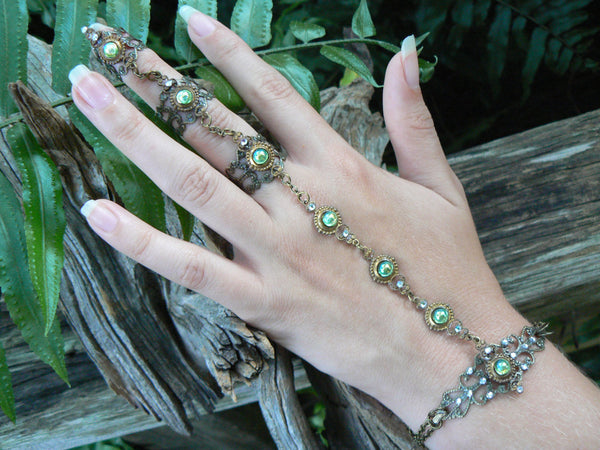 elfin hand chain green peridot slave bracelet with triple ring  in steampunk and cosplay