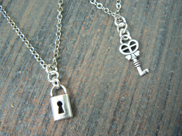 best friends necklace set Dainty Lock and key necklace set  steampunk necklace set
