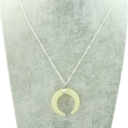 Fashion Women Moon Crescent Ox horn Pendant Necklace - BisCloset