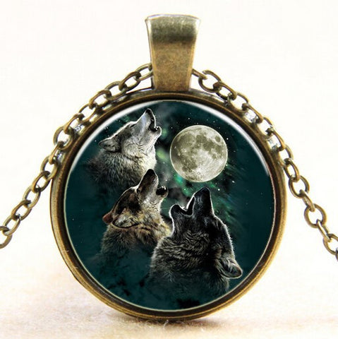 Triple Wolf Howling Necklace