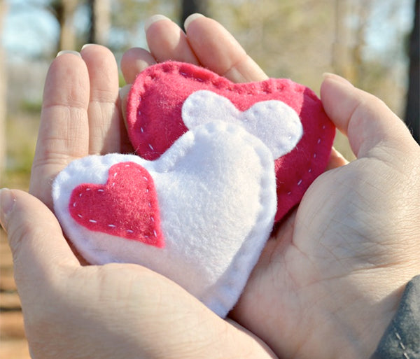 DIY Valentines Day hand warmers crafts to make with kids
