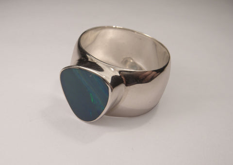 Beautiful Sterling 925 Silver Opal Ring Band