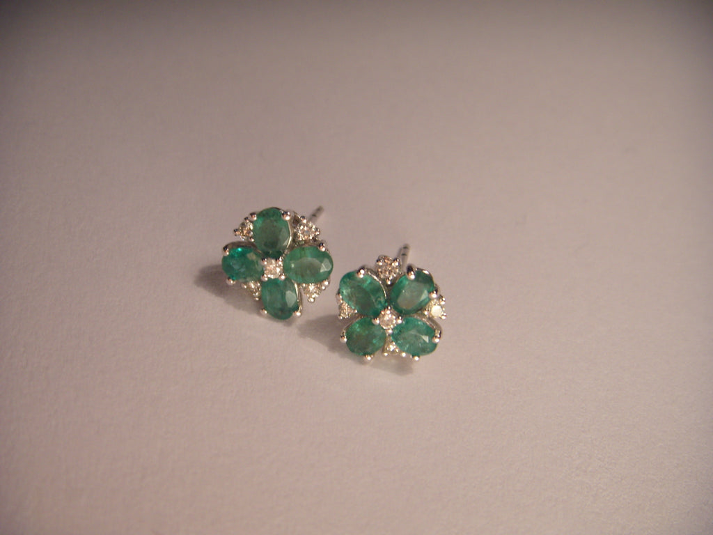 Elegant Estate 14K White Gold Emerald Diamond Flower Floral Stud Earrings