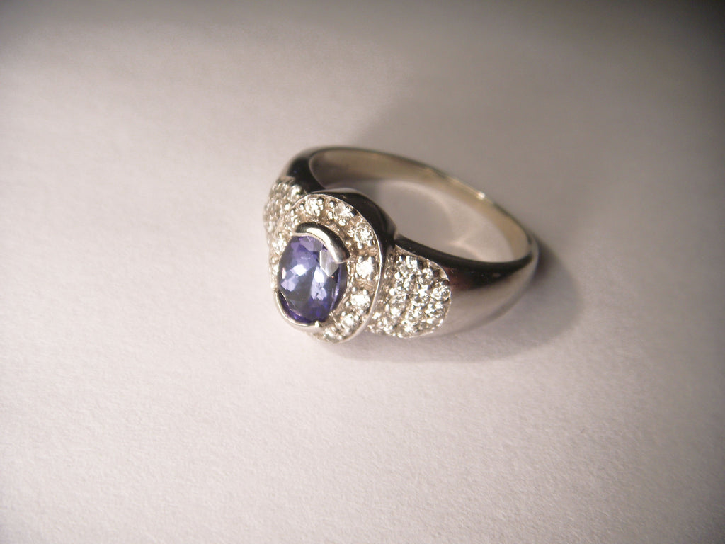 Exquisite 14K White Gold Diamond Tanzanite Designer Ring Band