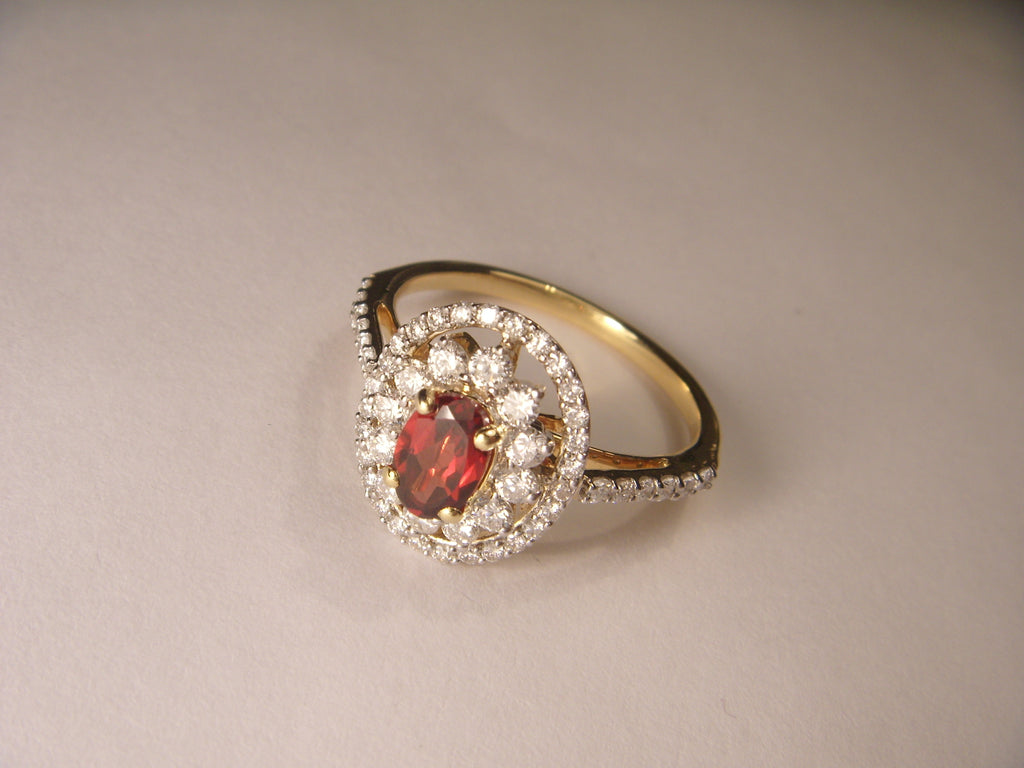 Beautiful Estate 14K Yellow Gold Diamond Garnet Filigree Ring