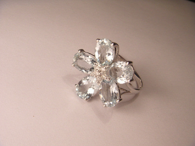 Fabulous 18K White Gold Diamond Aquamarine Floral Ring