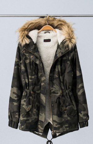 CAMOUFLAGE JACKET WITH FAUX-FUR RUFF HOOD