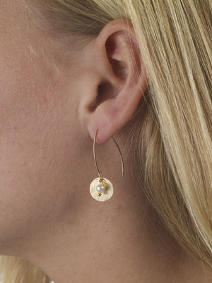 Disc earrings with seed pearls in gold or silver