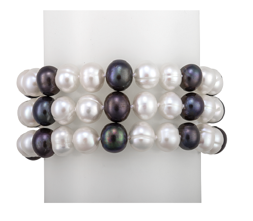 Black and white pearl bracelet