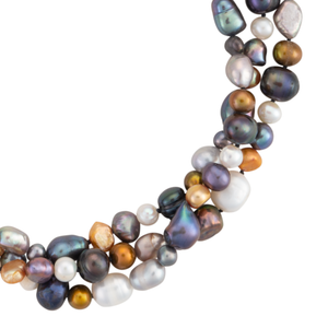 Freshwater metallic pearl necklace