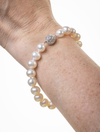 Delicate pearl bracelet with crystal clasp