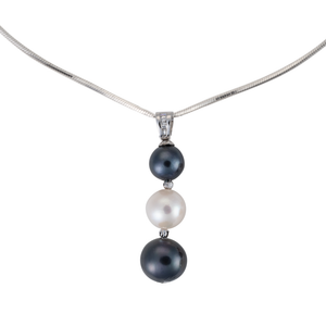 Black and white drop-pearl silver necklace