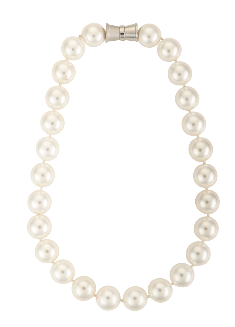 Large mother of pearl strand necklace