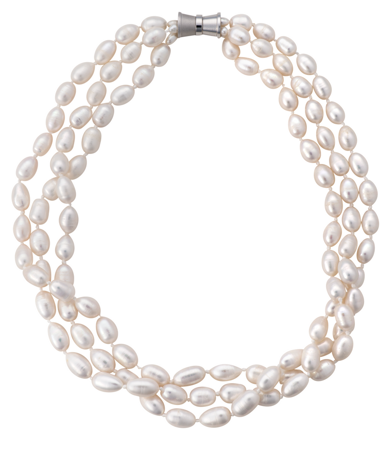 Three-strand rice pearl necklace
