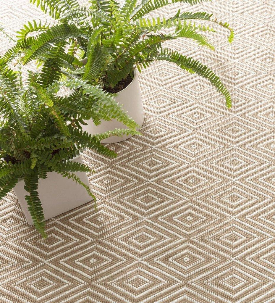 lifestyle, Dash and Albert Diamond Khaki/White Indoor/Outdoor Rug