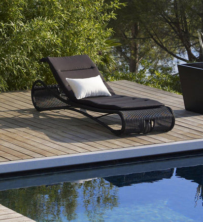 lifestyle, Cane-line Escape Outdoor Black All-Weather Weave Sunbed Chaise 5523LS