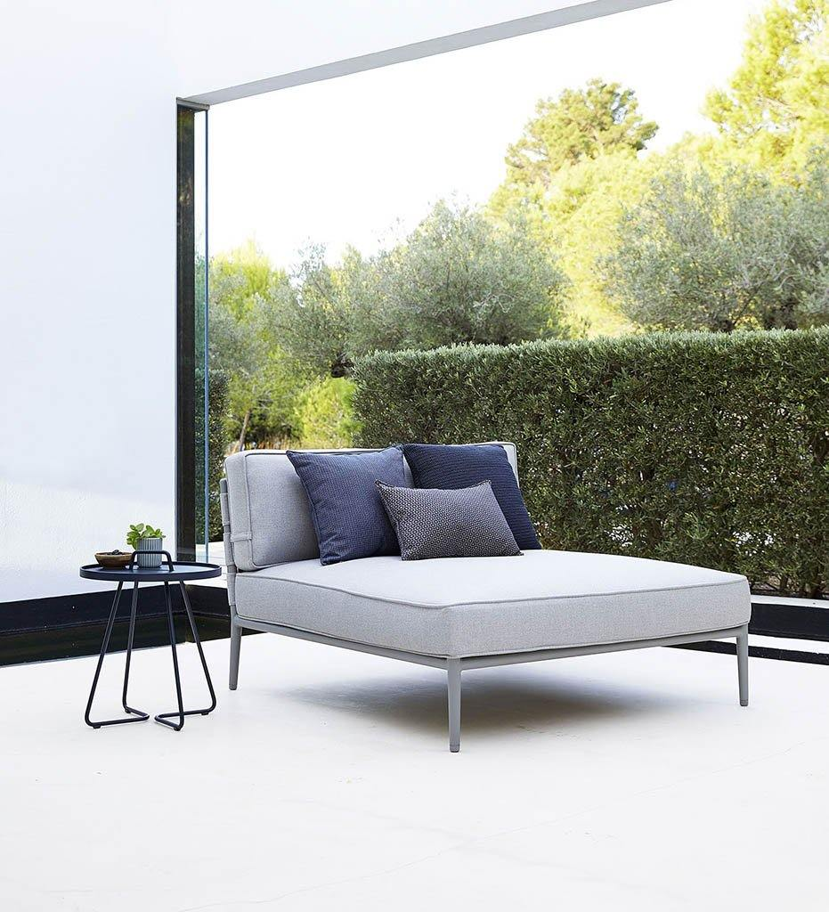 Conic Daybed with Light Grey AirTouch 8538AITL