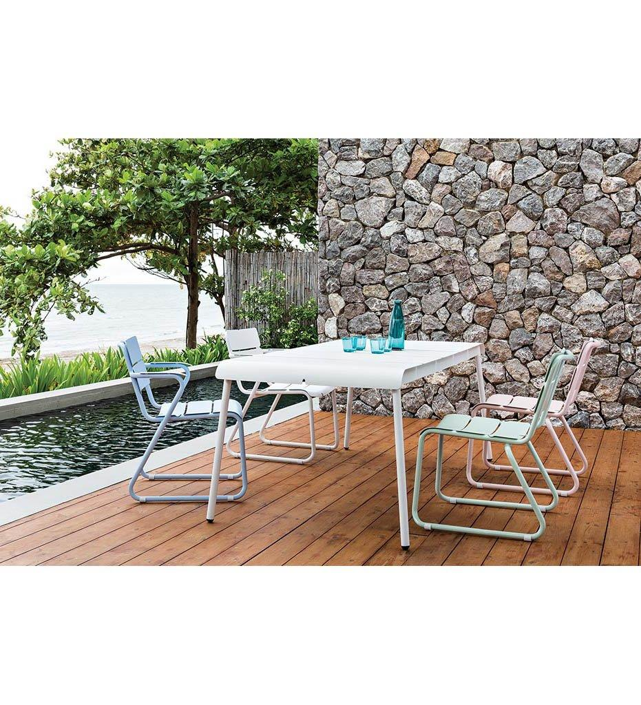 Oasiq | Corail Dining Table - Medium | Black Anthracite Aluminum | Outdoor
