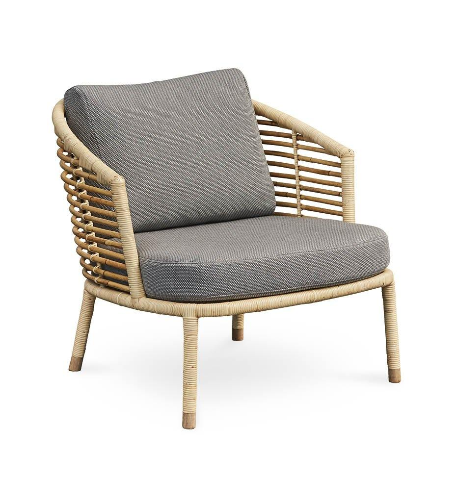 Cane-line Sense Lounge Chair in Natural Rattan with Light Grey Cushions 7443RU Y126